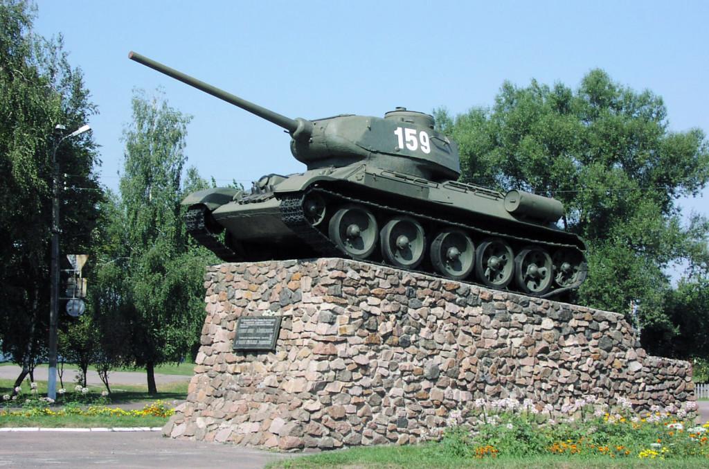 Пам'ятник визволителям в Ніжині.