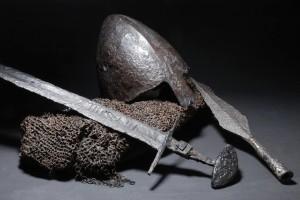 Шолом, кольчуга, меч та наконечник списа, друга половина ХІ ст. Ледніцьке озеро